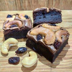 Brownie de chocolate 70% com castanha de caju e passas Pólen sem glúten