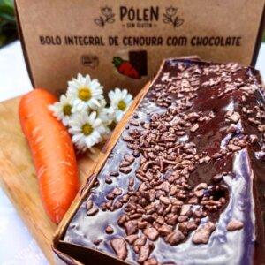 Bolo de cenoura com cobertura de chocolate Pólen sem glúten Porto Alegre